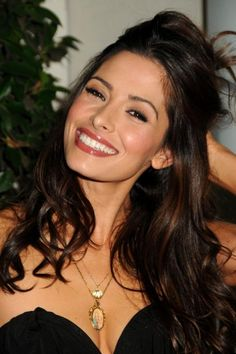 "Sarah Shahi - TV Guide Magazine's ""2010 Hot List"" Party In Hollywood, 08.11.2010. | FanPix.net"