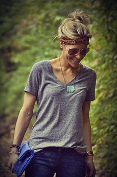Love the necklace paired with a simple grey t and of course a messy bun.