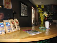 Floyd coffee house has Big Apple dreams