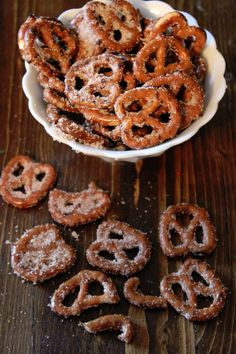 Blog post at Tammilee Tips : These cinnamon sugar pretzels are delicious! They are the perfect treat to take Day 19 of our 25 days of sweets and treats!  They are craz[..]
