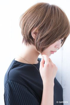 25 Chin Length Bob Hairstyles That Will Stun You in 2019 - Style My Hairs Short Bob Hairstyles, Trendy Hairstyles, Girl Hairstyles, Haircuts, Medium Hair Styles, Short Hair Styles, Pelo Bob, Hair Arrange, Hair Today