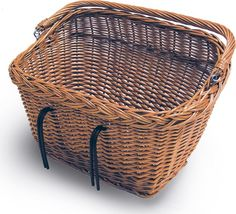 The Basil Dublin bicycle basket has a rectangular shape and makes a stylish choice. This detachable bike basket is designed for easy attachment to the front or