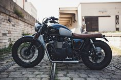 A Triumph Bonneville sidecar from BAAK Motocyclettes | left side