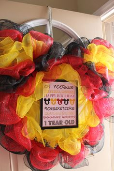 Wreath at a Mickey Mouse Party #mickeymouse #partywreath