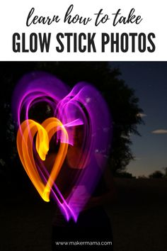 Glow stick photos are a fun and colorful alternative to sparkler pictures–and you don't have to worry about glow sticks running out of light before you capture your shot! Sparkler Photography, Photography Tips, Stick Run, Sparkler Pictures, Glow Stick Wedding, Country Wedding Photos, Light Painting Photography, Stick Photo, Z Photo