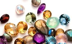 The easy way to find the perfect engagement ring Emerald Cut Diamonds, Diamond Gemstone, Diamond Jewelry, Gemstone Engagement Rings, Perfect Engagement Ring, Birth Chart, Prasiolite, Mood, Craft