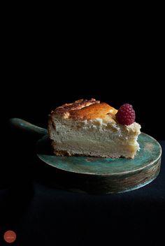 Para preparar esta deliciosa tarta de queso, no me he inspirado del cheesecake americano, sino de la receta tradicional originaria de la Lorena francesa llamada Tarte au maugin. Esta tarta, …