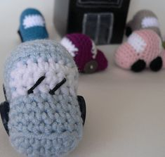Crochet Toys For Boys These Tiny Crochet Cars work up in a jiffy. They are perfect for stocking-stuffers and take-along toys. And don't for a moment suppose that they are just for boys! I've seen a few girls' faces light up when they see these :) - Crochet Car, Crochet Amigurumi, Crochet For Boys, Cute Crochet, Crochet Dolls, Ravelry Crochet, Crocheted Toys, Toys For Boys, Kids Toys