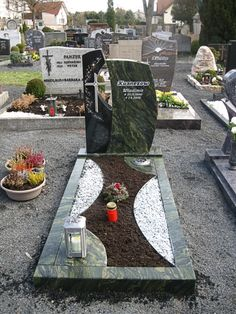 Cemetery Decorations, Funeral, Memories, Diy, Spaces, Grave Decorations, Cemetery, Houses, Urn