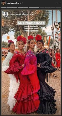 Teresa Lozano, Marta Lozano, Maria G. De Jaime y Maria Pombo looking stunning and gorgeous at Feria de Abril of Sevilla 2019 ❤️👏🏼 Mexican Fashion, Spanish Fashion, Ethnic Fashion, Party Fashion, Girl Fashion, Fashion Dresses, Bugatti Fashion, Spanish Costume, Traditional Mexican Dress