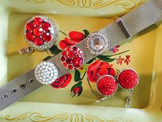 Gorgeous snap bracelet with red snap!!