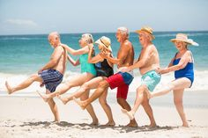 Seniors Dancing In A Row At The Beach Stock Photo - Image of entertaining, closeness: 68294974 Je Oller Je Doller, Facebook Marketing Strategy, Old Couples, Elderly Couples, Growing Old Together, Old Folks, Time In The World, Joy Of Life, Old Love