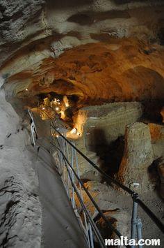 Għar Dalam Cave - Birzebbuga, Malta