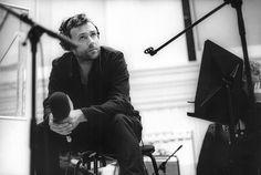 Erst Gorillaz, jetzt die Oper: Britpop-Legende Damon Albarn über Comicautor Alan Moore, Kommunikation mit Engeln in Opern und die Zukunft seiner Band Blur.
