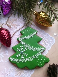 Christmas Cookie Jars, Noel Christmas, Xmas, Christmas Ornaments, Bolacha Cookies, Cookie Frosting, Cookie Exchange, Yummy Cakes, Cookie Decorating
