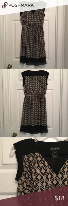 Size 4 Sleeveless Midi Dress EUC Adorable dress by Enfocus Studio. Elastic waist with tie and completely lined. Only worn 1-2 times.   Smoke free, pet free home. Enfocus Studio Dresses Midi