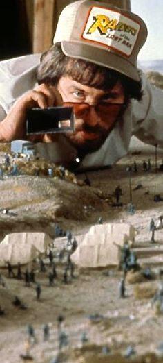 Steven Spielberg - Raiders of the Lost Ark Behind The Scenes Indiana Jones, Henry Jones Jr, Steven Spielberg Movies, Film Inspiration, Film Director, Classic Movies, Behind The Scenes, Movie Tv, Indie