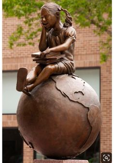 GLOBE~Cabin Fever - Sculptor -- Gregory Johnson -- Photo by -- Paul Schiller - Sculpturewak - Sioux Falls Globe Art, Book Sculpture, Book Images, Wassily Kandinsky, Garden Statues, Public Art, Oeuvre D'art, Book Art, Art Drawings