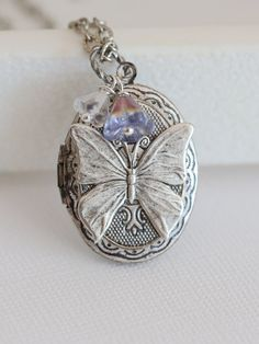 Butterfly Locket,Jewelry Gift,Silver Locket,Flowers,Wings,Antique Locket,Filigree Leaf,Locket Necklace,Wedding Necklace