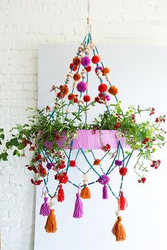 Pom Pom Planter - 25 Warm-Weather DIYs If You Hate DIYs - Photos