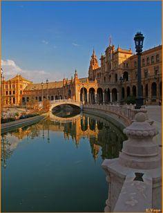 Sevilla,Spain.La Plaza de España.Obra del genial arquitecto Aníbal Gonzalez