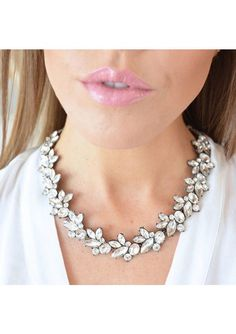Dazzling Vintage-Inspired Statement Necklace