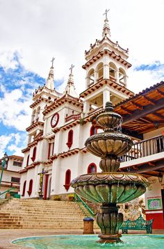 Churches in Mexico: Mazamitla, Jalisco Mexico Wonderful Places, Great Places, Beautiful Places, Oh The Places You'll Go, Places To Travel, Places To Visit, Travel Around The World, Around The Worlds, Site Archéologique