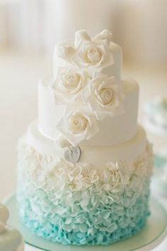 tiffany blue ombre wedding cake - Deer Pearl Flowers