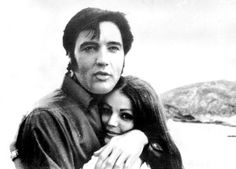 Elvis and Priscilla Presley at the Hanauma Bay, in O'ahu, Hawaii, May, Elvis Presley Priscilla, Elvis Presley Family, Elvis Presley Photos, Lisa Marie Presley, Most Beautiful Man, Beautiful People, Family Photo Album, Great Love Stories, Famous Couples
