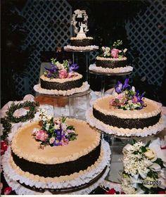 Bobby & Janice's wedding cake is too sweet!