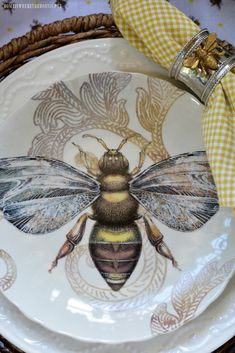 The Bees Knees Table in Potting Shed | homeiswheretheboatis.net I Love Bees, Bee Skep, Bee Art, Bee Happy, Save The Bees, Canning Jars, Mason Jars, Bees Knees, Queen Bees