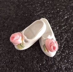 HTF Sindy dolls Mam'selle Cinderella D.02 White Rose Shoes 1960's | 12.5+1.5 Sindy Doll, Dolls, White Roses, Doll Clothes, Cinderella, Shoes, Zapatos, Shoes Outlet, Puppet