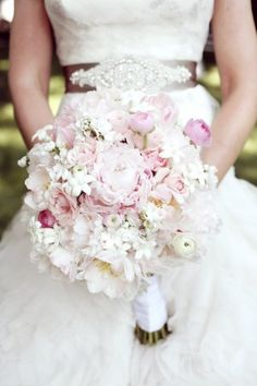 Pretty-Pink-Blush-and-White-Wedding-Bouquet