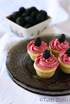How To Make mini blackberry-vanilla cupcakes Cupcakes Recipe