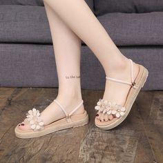 Bow Sandals, Cute Sandals, Fancy Shoes, Pretty Shoes, Simple Shoes, Casual Shoes, Fashion Sandals, Sneakers Fashion, Indian Shoes