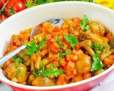 Mijoté léger de choux de Bruxelles carotte et tomate : http://www.fourchette-et-bikini.fr/recettes/recettes-minceur/mijote-leger-de-choux-de-bruxelles-carotte-et-tomate.html