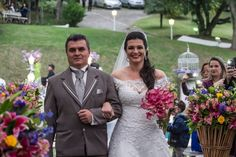 ♥♥♥  CASO REAL: O casamento e a história de superação da Cami e do Lucas Superação é algo que quando se conquista não esquece jamais. Todos nós enfrentamos problemas e precisamos encará-los de frente. O amor é uma co... http://www.casareumbarato.com.br/caso-real-o-casamento-e-a-historia-de-superacao-da-cami-e-do-lucas/