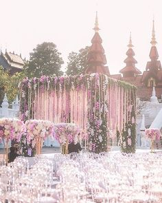 Now this is a #chuppah dripping with @iamflower.co's fairytale floral designs!!! Saying I DO never looked so magical!! Planning: @theweddingblissthailand |  Photo: @pikpongpol_photography #IAMFLOWER