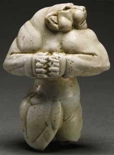 Guennol Lioness B.) Mesopotamia, found near Baghdad, Iraq - this anthropomorphic lioness statue depicts the Lioness Demon, an Elamite figure. Ancient Mesopotamia, Ancient Civilizations, Historical Artifacts, Ancient Artifacts, Ancient History, Art History, European History, Ancient Aliens, American History