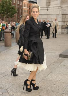 Sarah Jessica Parker attends the Alexander McQueen Memorial Service at St Pauls Cathedral on September 20, 2010 in London, England.