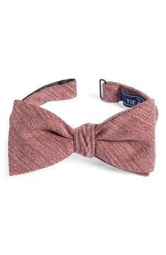 The Tie Bar Skull And Crossbones 100/% Woven Silk Bow Tie