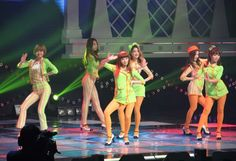 Dal Shabet perform for South Korean troops