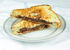 CHOCOLATE SANDWICH WITH NUTS IN 5 MINS The chocolate sandwich is an easy and delicious sandwich recipe with melted chocolate and nuts. The chocolate sandwich is a quick treat for kids in Evening Snacks For Kids, Evening Snacks Indian, Quick Snacks For Kids, Easy Snacks, Healthy Snacks, Baby Food Recipes, Indian Food Recipes, Snack Recipes, Cooking Recipes