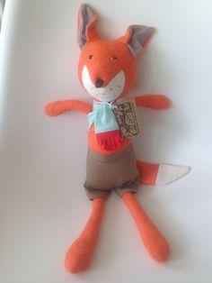 Introducing the dapper Reginald #Fox ... #organic #handmade #animals from the beautiful @hazelvillage family meet the rest at www.howiwonder.co.uk