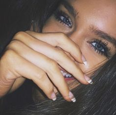 Blue eyes, beautiful eyes, beautiful girl, beautiful smile, long eyelashes, nails, beauty idea, beauty, makeup, natural look, photo, eyebrows
