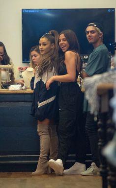Ariana Grande Fotos, Ariana Grande Pictures, Wallpaper Ariana Grande, Barack Obama, Justin Bieber, Saga Harry Potter, Cute White Boys, Bae, Dangerous Woman