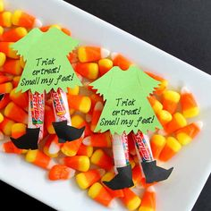 Halloween Candy Ideas: Witch Legs Need Halloween candy ideas? Try turning them into witch legs with these super simple instructions. The kids will love them! The post Halloween Candy Ideas: Witch Legs appeared first on Halloween Candy. Halloween Candy Crafts, Dulces Halloween, Bonbon Halloween, Halloween Goodie Bags, Halloween School Treats, Halloween Snacks, Halloween Birthday, Cute Halloween, Holidays Halloween