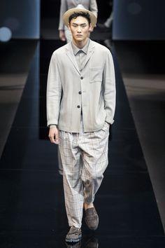 Giorgio Armani Spring 2017 Menswear Collection Photos - Vogue