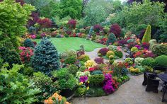 Colours of late spring at entrance to garden by Four Seasons Garden, via Flickr