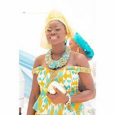 Ghana Fashion, African Fashion, Ghana Wedding, Baptism Party, Gold Makeup, Wedding Styles, Dance, Weddings, Friends